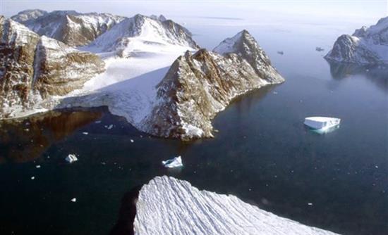Ο πρώτος ρωσικός πλωτός πυρηνικός σταθμός έφθασε στην Αρκτική