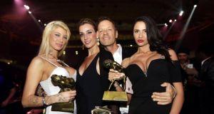 Όσκαρ πορνό στην Αθήνα: Όσα έγιναν τη μεγάλη βραδιά –…