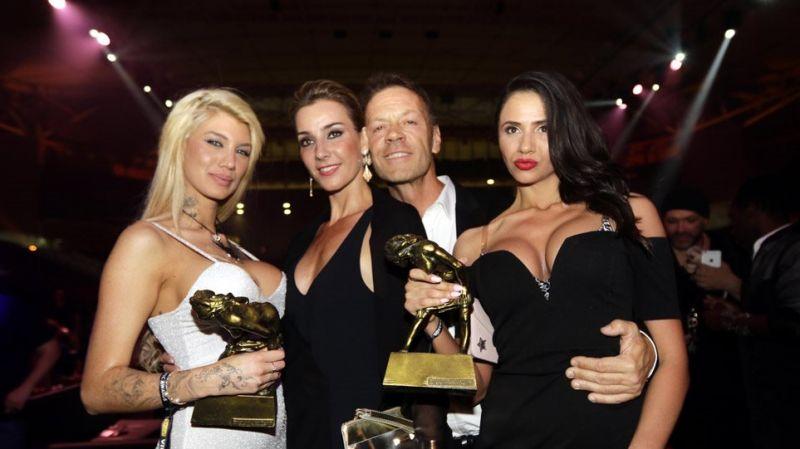 Όσκαρ πορνό στην Αθήνα: Όσα έγιναν τη μεγάλη βραδιά – Ποιοι πήραν τα βραβεία (Φωτό)