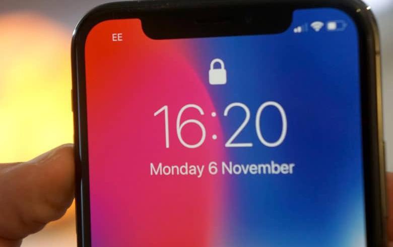 Τα νέα iPhone θα έχουν σούπερ οθόνες