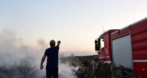 Μεγάλη πυρκαγιά στον Άγιο Βλάσση κατακαίει δασική έκταση