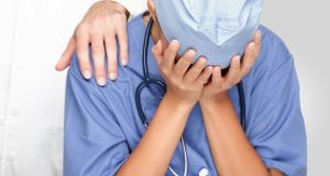 ΠΑΜΕ Υγείας – Πρόνοιας Αγρινίου: Επικουρικοί υγειονομικοί κινδυνεύουν με οριστική…