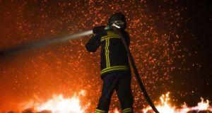 Συνεχίζονται οι πυρκαγιές στο Καινούριο Αγρινίου