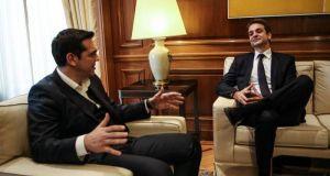Τσίπρας-Μητσοτάκης: Οξεία (προεκλογική) κόντρα για δάνεια συζύγων & αδελφών