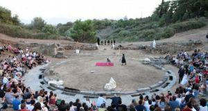 Στο Αρχαίο Θέατρο Στράτου ολοκληρώθηκε η «διαδρομή» του ΔΗ.ΠΕ.ΘΕ. Αγρινίου…