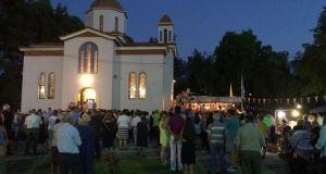 Αγρίνιο: Πλήθος κόσμου στο εκκλησάκι της Αγίας Σωτήρας στο Δημοτικό…
