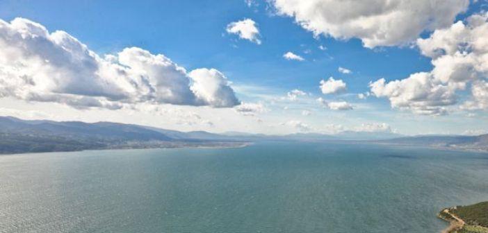 Απ. Κατσιφάρας: «Η ανάπλαση της παραλίμνιας ζώνης της Τριχωνίδας, μια μεγάλη αναπτυξιακή πρόκληση»