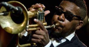 Ο τρομπετίστας της τζαζ Ρόι Χάργκροβ πέθανε σε ηλικία 49…