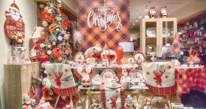Αγρίνιο: Τα καταστήματα φορούν τα γιορτινά τους! Διαγωνισμός βιτρίνας από…