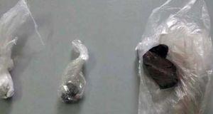 Συνελήφθησαν νεαροί στο Αγρίνιο με «σοκολάτα» και χασίς