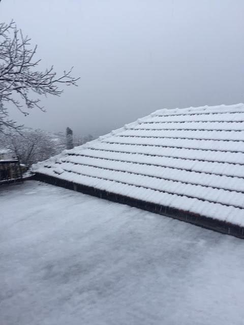 Αιτ/νία: Χιονίζει στο Ξηρόμερο (Κομποτή, Κατούνα, Κωνωπίνα, Θύρρειο) (Φωτό)