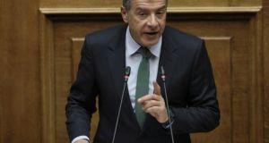Θεοδωράκης: Δεν δίνουμε ψήφο εμπιστοσύνης – Τι είπε σε Δανέλλη…