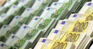 Τράπεζα Ελλάδος: Αυξήθηκαν κατά 519 εκατ. ευρώ οι καταθέσεις τον…