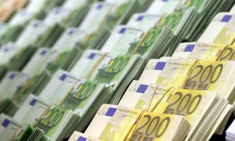 Οι τράπεζες γέμισαν με χρήματα τα ΜΜΕ