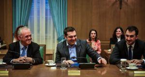 Τσίπρας στο υπουργικό συμβούλιο: «Αυξάνεται κατά 11% ο κατώτατος μισθός…