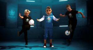 Skillzy: Η επίσημη μασκότ του επετειακού UEFA Euro 2020