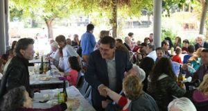 Ο Κώστας Πελετίδης αντάλλαξε ευχές στο Πασχαλινό τραπέζι του Δήμου…