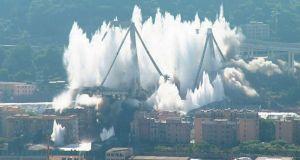 Κατεδάφιση της μοιραίας γέφυρας στη Γένοβα που στοίχισε τη ζωή…
