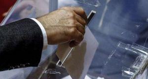 Φέρνει πρόωρες εκλογές ο κορωνοϊός; – Πότε σκέφτονται να στήσουν…