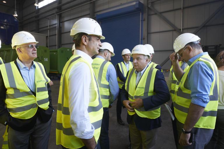 Γιάννενα: Με κράνος και ειδική στολή ο Κυριάκος Μητσοτάκης – Η δέσμευση του πρωθυπουργού