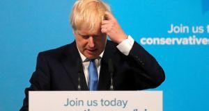 Τζόνσον: Δεν παραιτούμαι για να μην καθυστερήσει το Βrexit –…