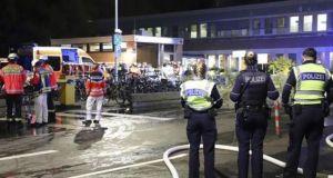 Γερμανία: Κλεμμένο φορτηγό έπεσε πάνω σε αυτοκίνητα σε φανάρι –…