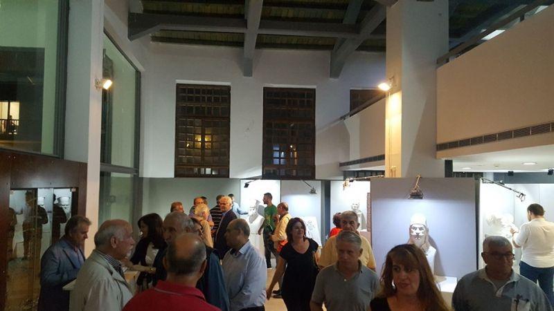 Ο Σπ. Κωνσταντάρας στα εγκαίνια της Έκθεσης Γλυπτικής του Ε. Τύμπα στο Αγρίνιο