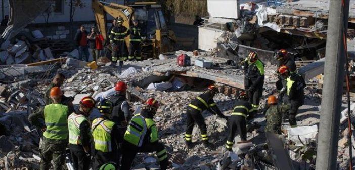 Θρήνος, όλεθρος και εικόνες απόλυτης καταστροφής στην Αλβανία – Στους 31 οι νεκροί