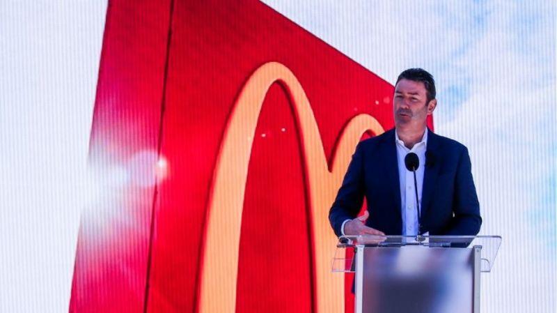 McDonald's: Απολύθηκε ο CEO της αλυσίδας επειδή είχε σχέση με υπάλληλό του