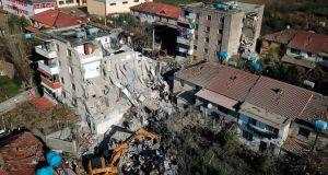 Φονικός σεισμός στην Αλβανία: 13 νεκροί, 135 τραυματίες, πολλοί παγιδευμένοι…