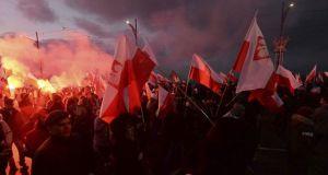 Βαρσοβία – Μεγαλειώδης πορεία από 150.000 Πολωνούς: «Η Ε.Ε. μας…