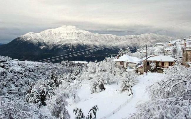 Αντιμετωπίστηκαν τα προβλήματα από την εκτεταμένη χιονόπτωση στα ορεινά της Ηπείρου