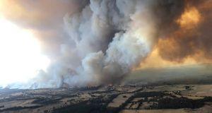 Αυστραλία: Συγκλονιστικές εικόνες από τις φωτιές – Χάος, νεκροί και…