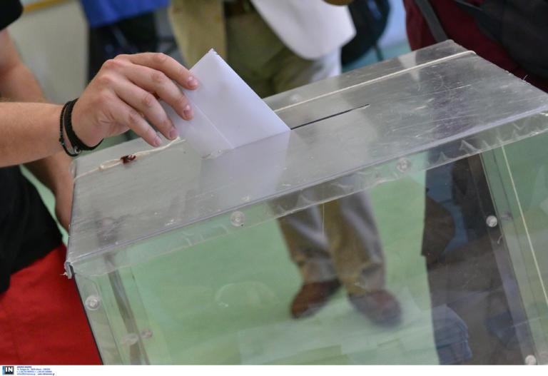 Δήμαρχος και Περιφερειάρχης από την πρώτη Κυριακή με 40%! Τι προβλέπει ο νέος εκλογικός νόμος για τους ΟΤΑ
