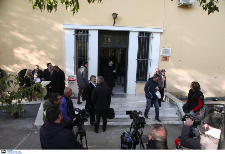 Μάνδρα: Δικαιοσύνη ζητούν οι συγγενείς των νεκρών! – Άρχισε η δίκη