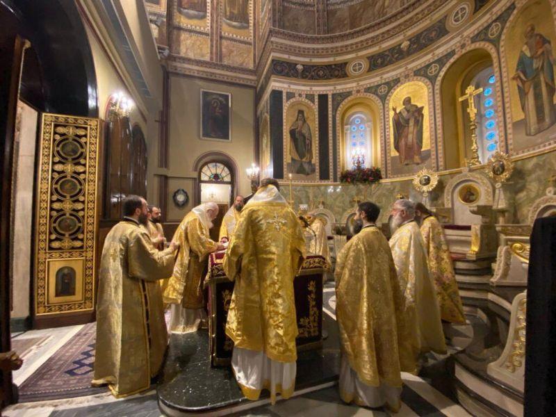 Το αίτημα της εκκλησίας να λάβουν οι ιερείς το επίδομα των 800 ευρώ και οι αντιδράσεις