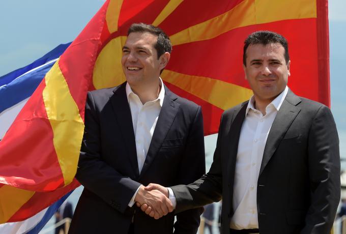 Τηλεφωνική επικοινωνία Τσίπρα – Ζάεφ για την ένταξη της Β. Μακεδονίας στο ΝΑΤΟ