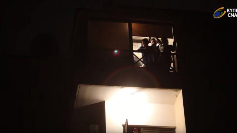 Κορωνοϊός: Η Κύπρος χειροκρότησε τους γιατρούς και τους νοσηλευτές της (Βίντεο)