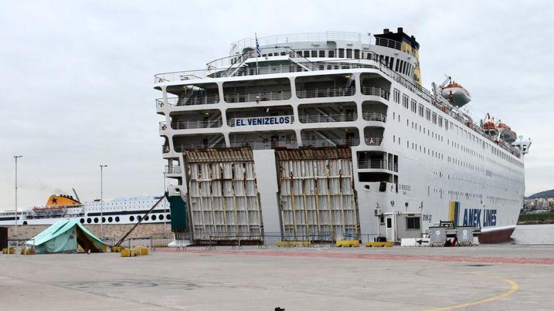 Λόγω βλάβης και όχι κορωνοϊού το αγκυροβολημένο πλοίο στον Πατραϊκό