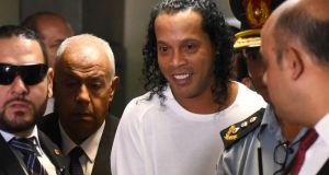 Ροναλντίνιο: «Οι 32 ημέρες του στο κελί διαστάσεων 3Χ5»