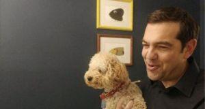 Ο Αλέξης Τσίπρας στην καραντίνα παρέα με τον σκύλο του