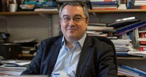 Μόσιαλος: «Η σταδιακή αποκλιμάκωση των μέτρων ελαχιστοποιεί το ρίσκο»