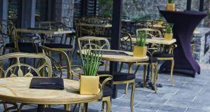 Μείωση ΦΠΑ: Ο νέος τιμοκατάλογος σε καφέδες, σινεμά, ΜΜΜ –…