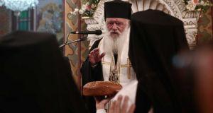 Ιερώνυμος: Χωρίς Θεία Κοινωνία δεν υπάρχει Εκκλησία – Επικίνδυνες οι…