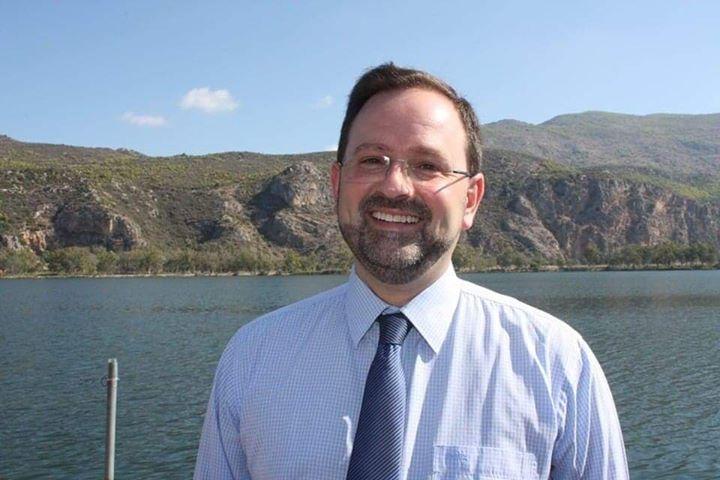 Ν. Κοροβέσης: «Ανακούφιση για τις επιχειρήσεις η Κ.Υ.Α. για τις παραχωρήσεις σε παραλίες»