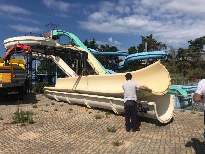 Ναύπακτος: Ξεκίνησαν οι εργασίες απομάκρυνσης του εξοπλισμού στις νεροτσουλήθρες