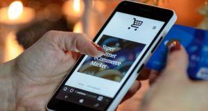 Με «σπασμένα φρένα» συνεχίζουν οι online αγορές – Αύξηση 107%…