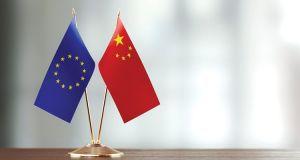 Γιατί αναβλήθηκε η Σύνοδος Κορυφής Ε.Ε. – Κίνας