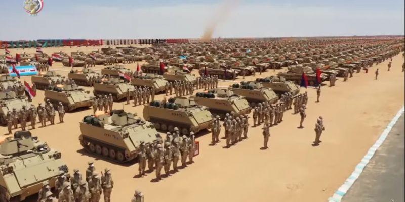 Λιβύη: Με το δάχτυλο στη σκανδάλη η Αίγυπτος – Μετακίνηση στρατευμάτων στα σύνορα