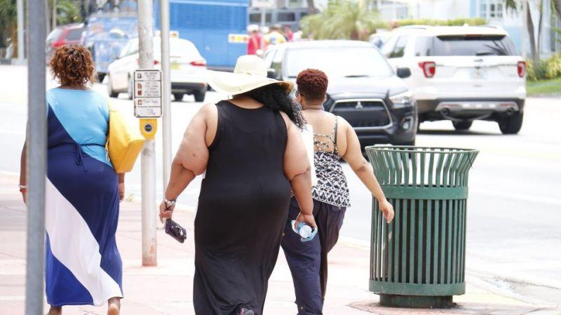 Οι παχύσαρκοι κινδυνεύουν πιο πολύ από σοβαρή Covid-19 και θάνατο, δείχνει μελέτη